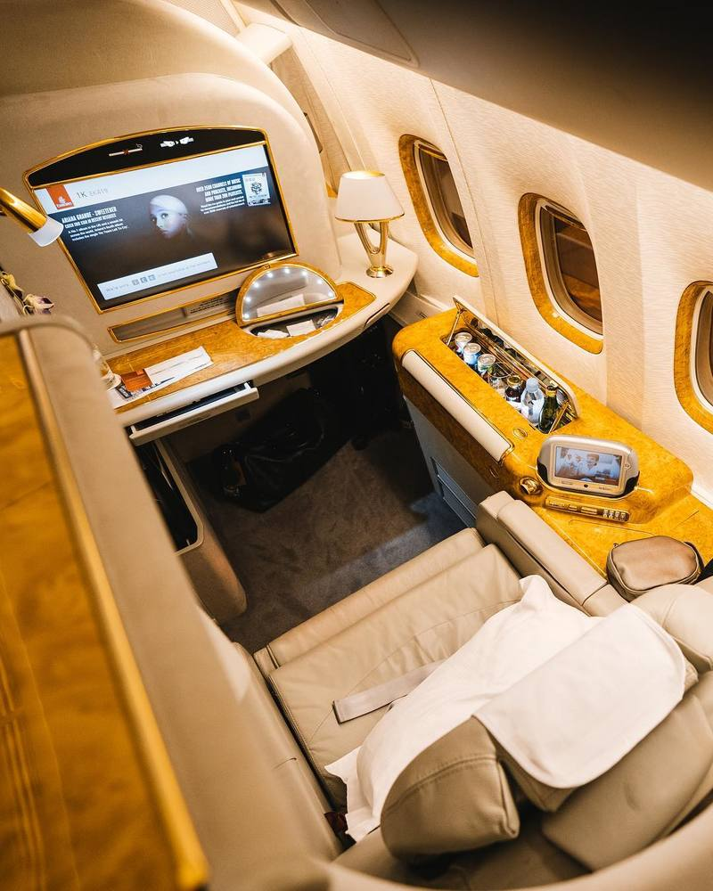 first-class-emirates-interior