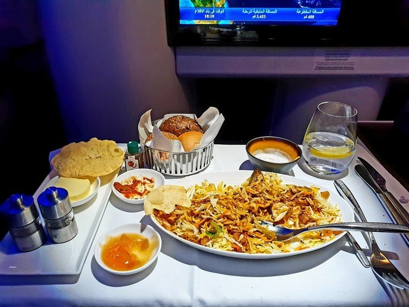 quatar-airways-first-class-meal