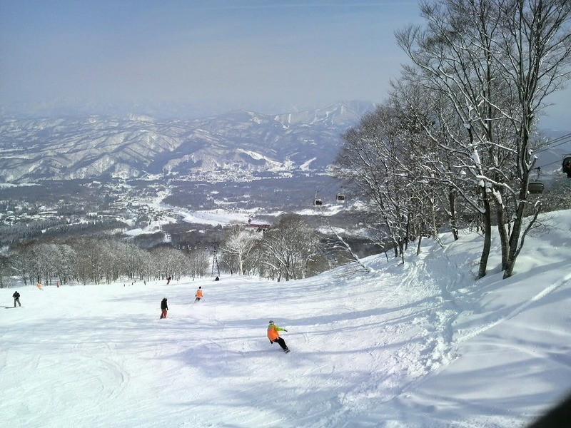 japan-ski-slope
