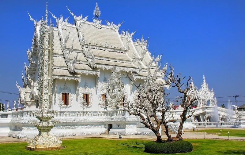 white-temple-wat-rong-khun