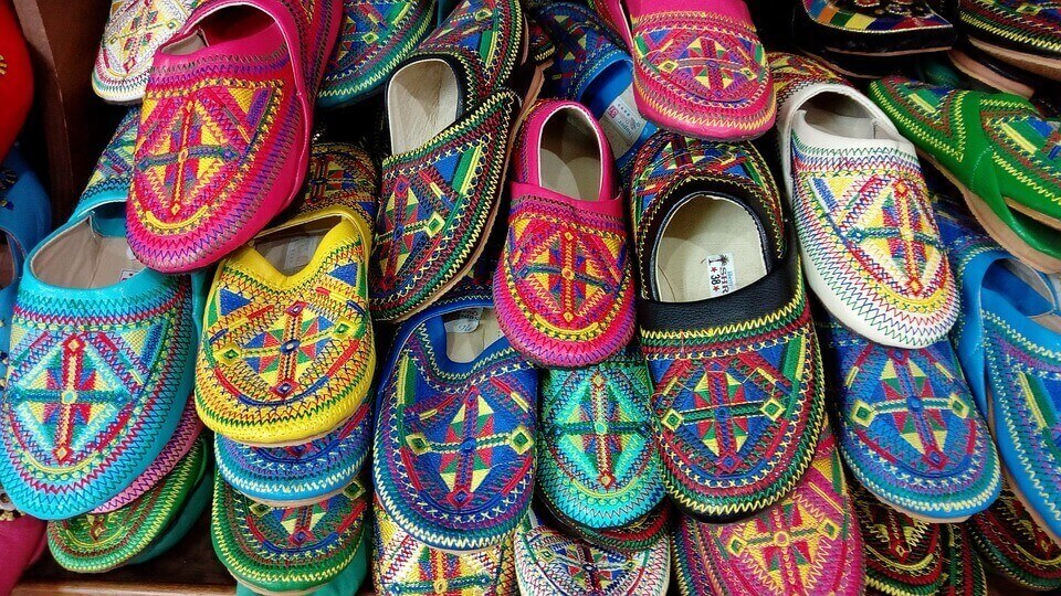 colourful-moroccan-shoes