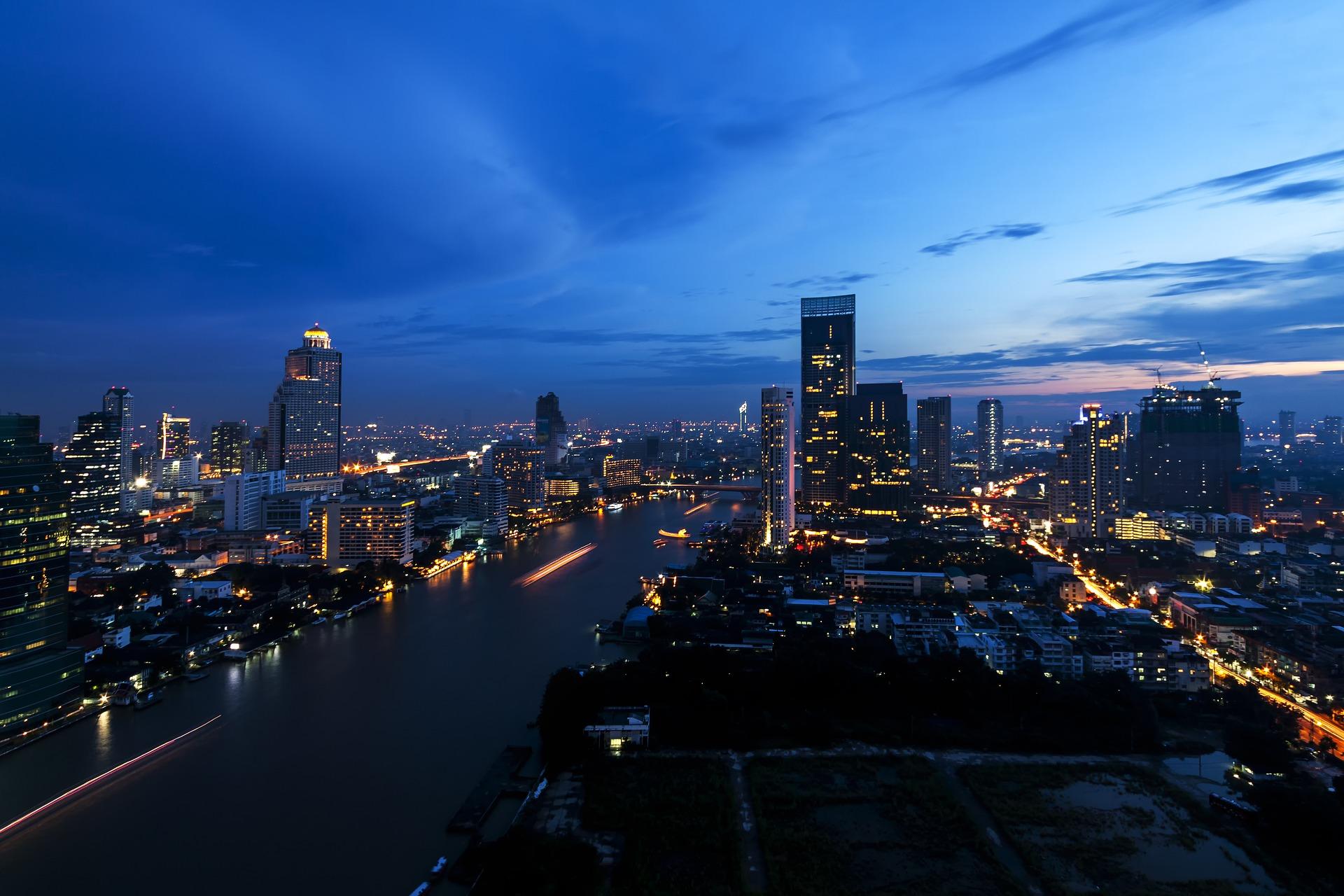 bangkok-river-at-night